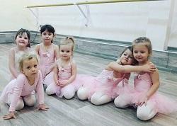 Центр «Интеллект» начинает набор детей в школу балета