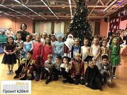 В образовательных учреждениях Московского проходят новогодние праздники