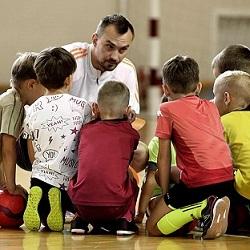 Пройдет детский мини-футбольный праздник
