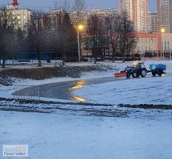 Каток в Московском готовят к открытию