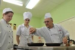 Какие профессии выбирают московские школьники